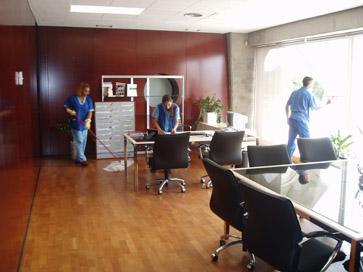 Limpieza a fondo de oficinas y lugares de trabajo